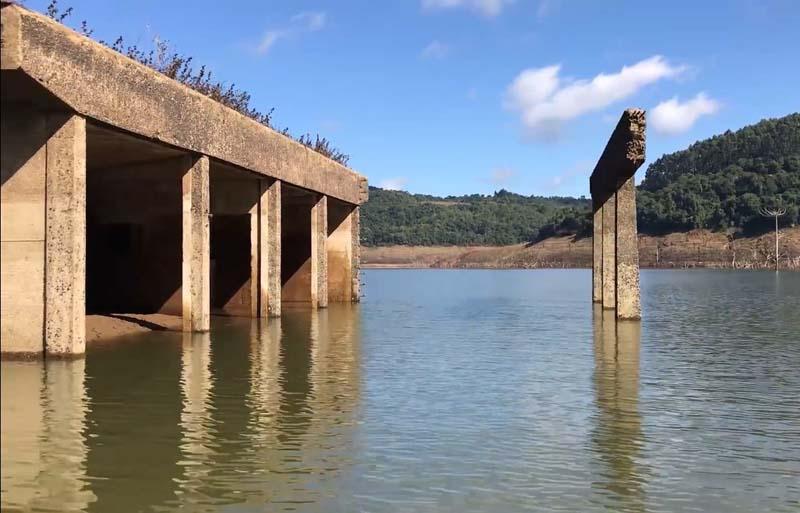 Estiagem exibe Ruínas da usina de Salto Grande do Iguaçu. (Foto: Portal Vvale/Skillfx Produções).